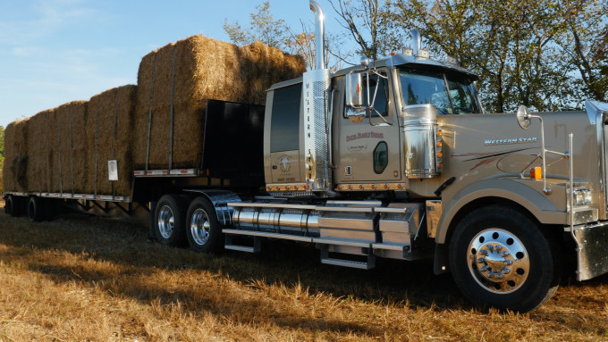 Tranlin-Groundbreaking-Straw-on-Truck