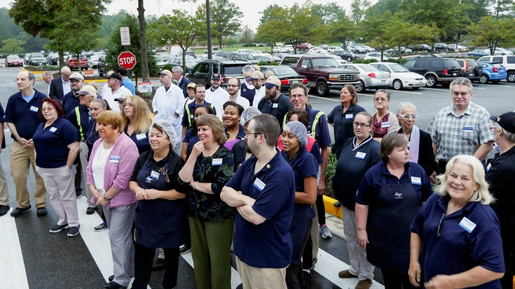 2016-09-28-kroger-ivymont-grand-re-opening-p1370439
